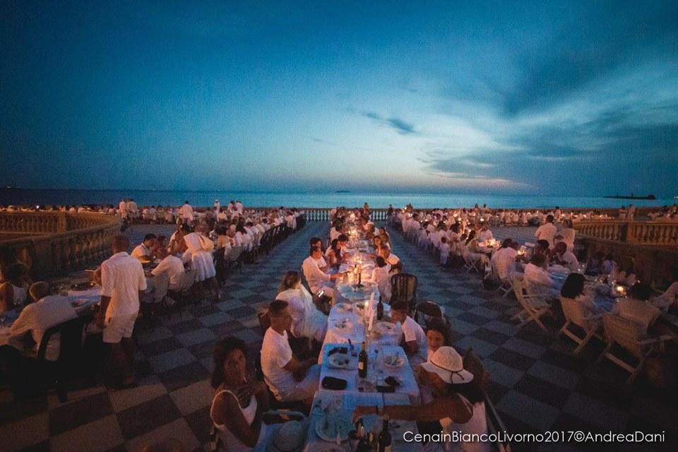 Cena in bianco con concerto operistico alla Terrazza Mascagni ...